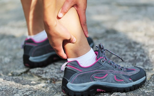Soft Tissue Injury Or A Stress Fracture How To Tell The Difference 220 Triathlon