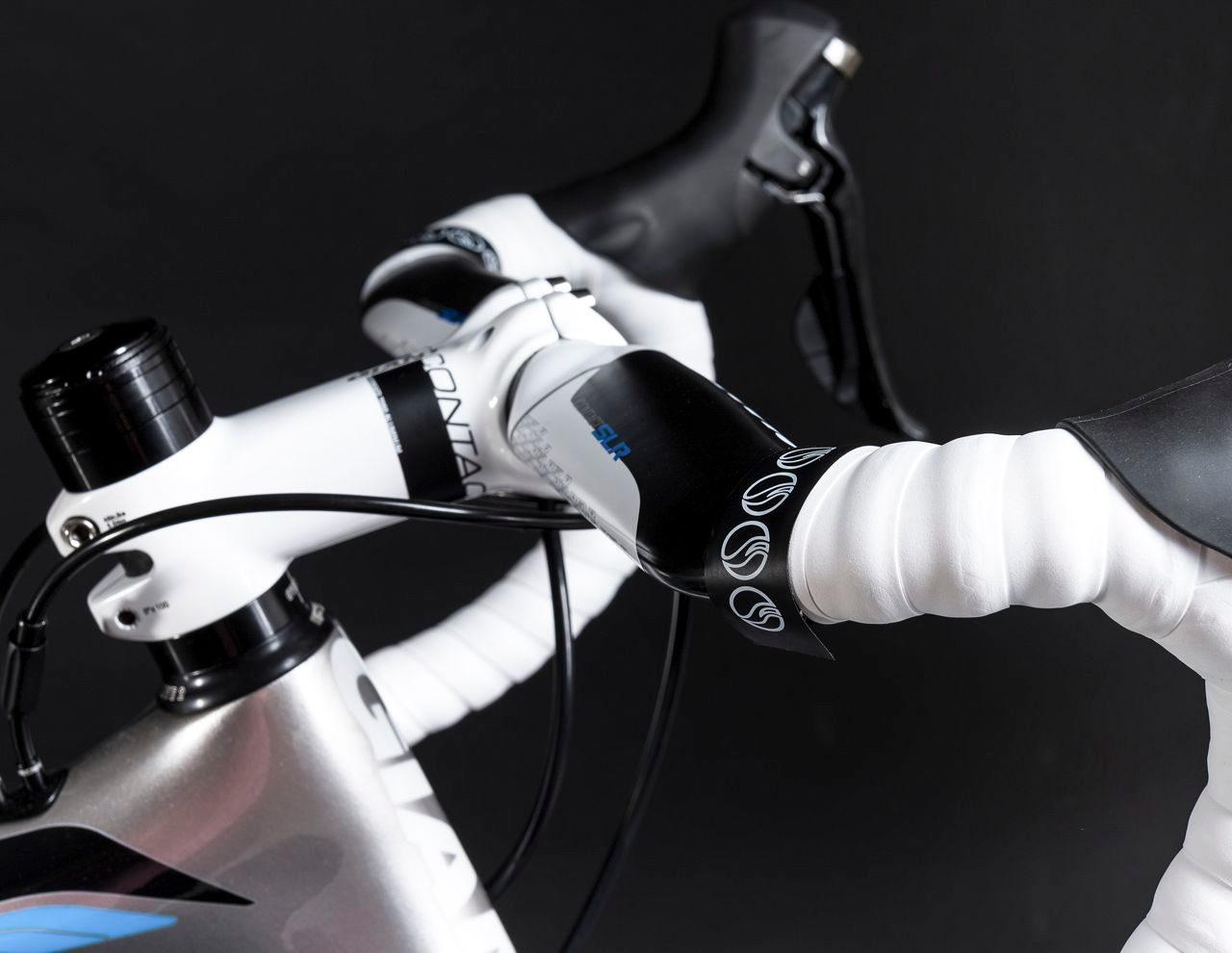 Profiled aero bars on Giant Propel Advanced 2 road bike