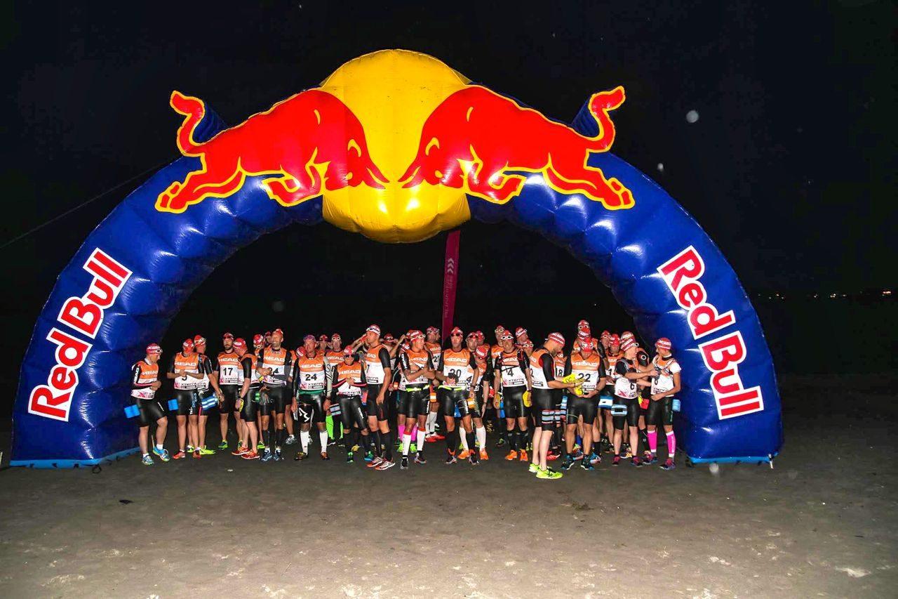Athletes at start of Swimrun Norway 2014