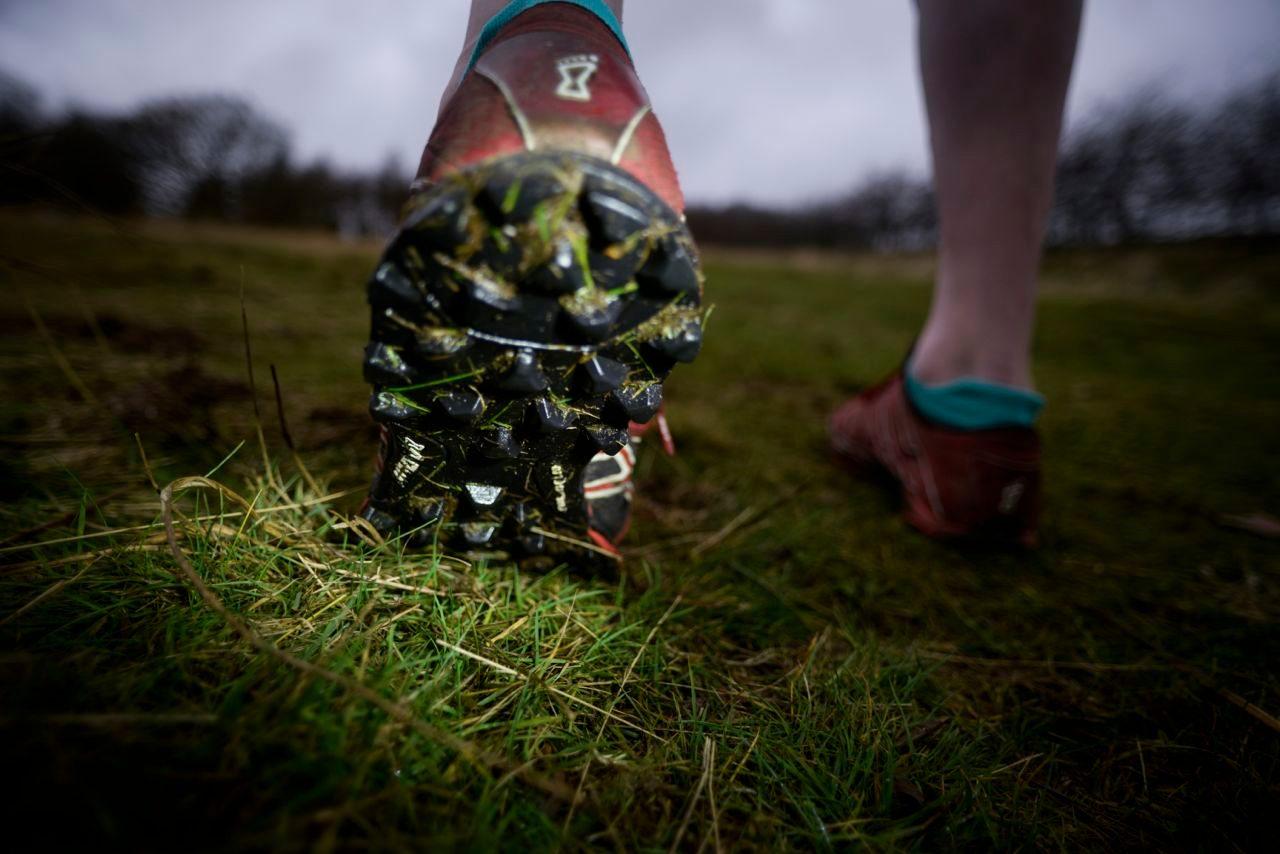 Off-road running shoe