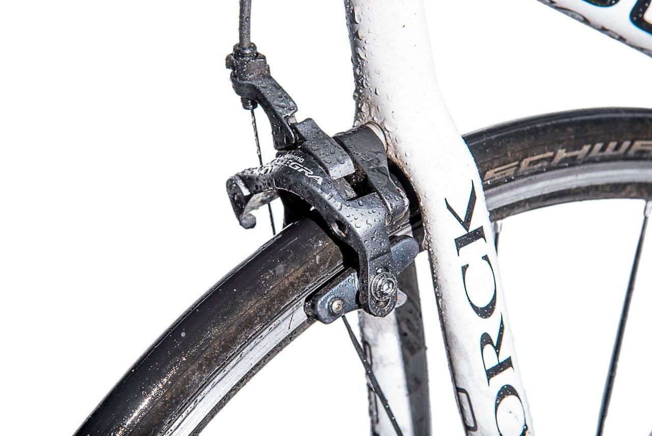 Dual-pivot Ultegra brakes