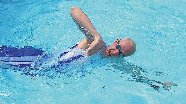 Martyn Brunt swimming