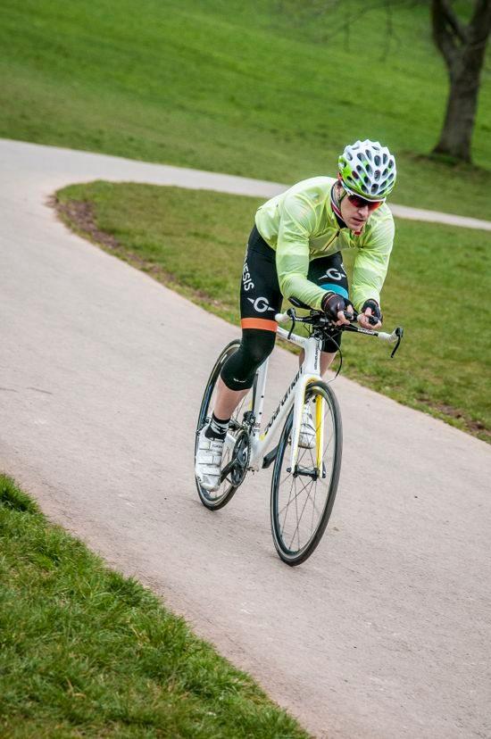 Boardman AiRTT/9.4 tri bike in action