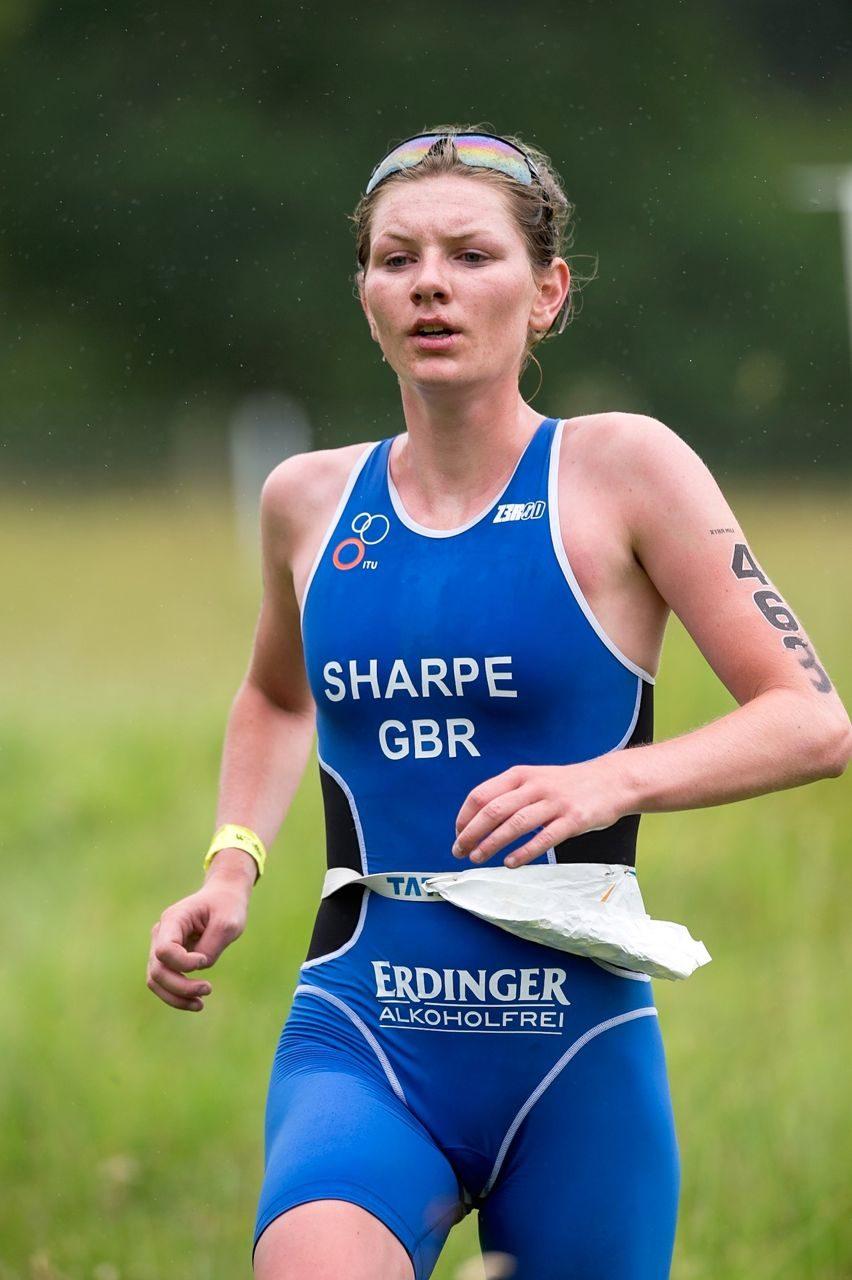 Alice Sharpe racing at Peak District Triathlon