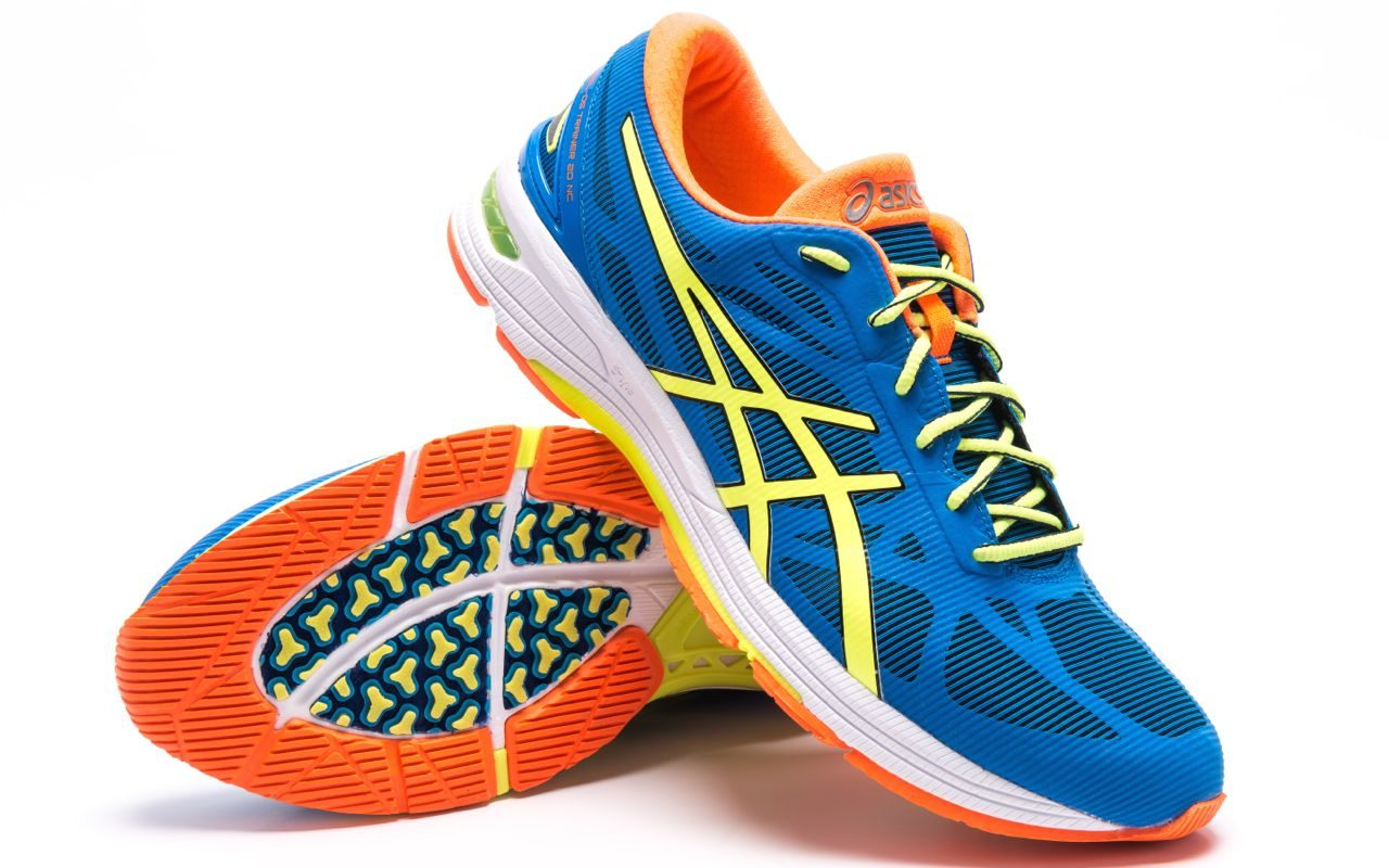 Asics Gel DS Trainer 20 running shoes