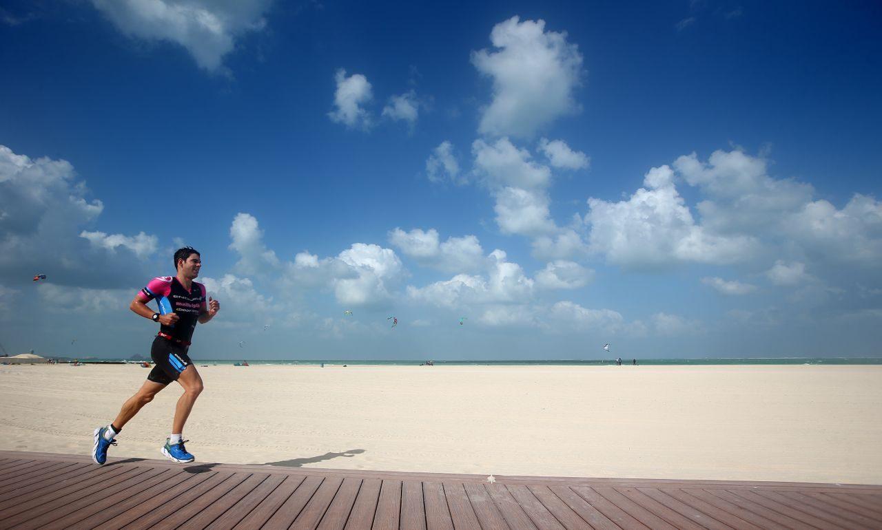 Joe Skipper running at Challenge Dubai