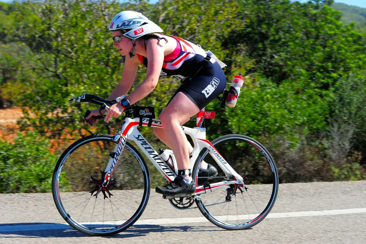 Niamh Lewis on the bike at Challenge Paguera-Mallorca 2014