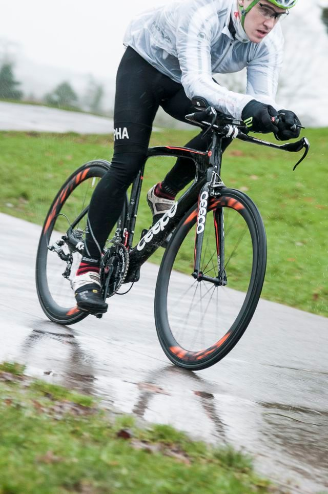 Triathlete riding a Ceepo Katana tri bike