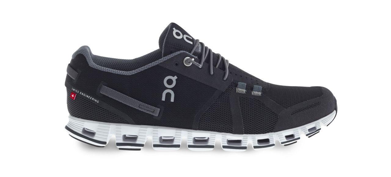 On Cloud Christmas edition run shoes (black)