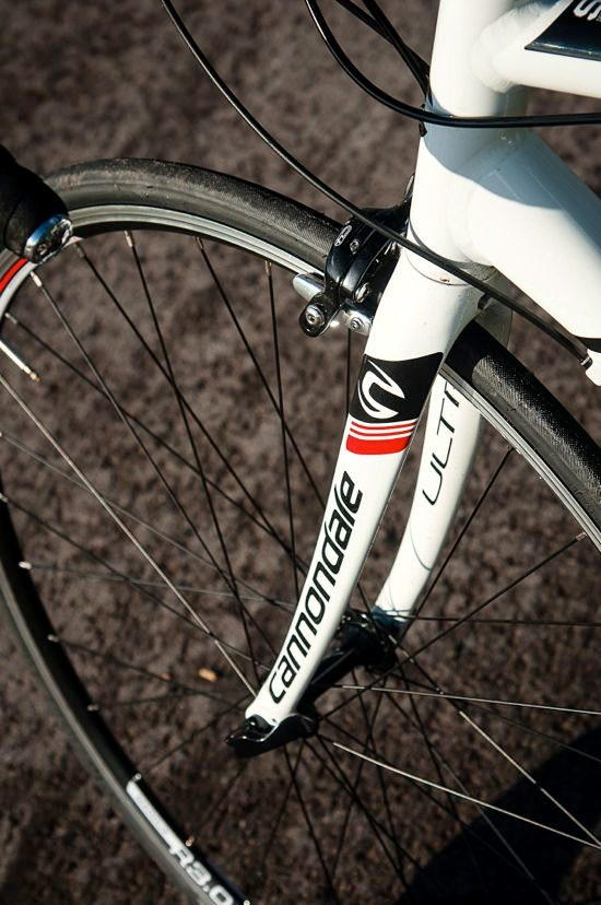 Cannondale CAAD8 6 Tiagra wheels