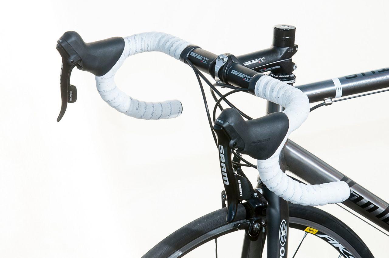 Cockpit on Van Nicholas Ventus SE road bike