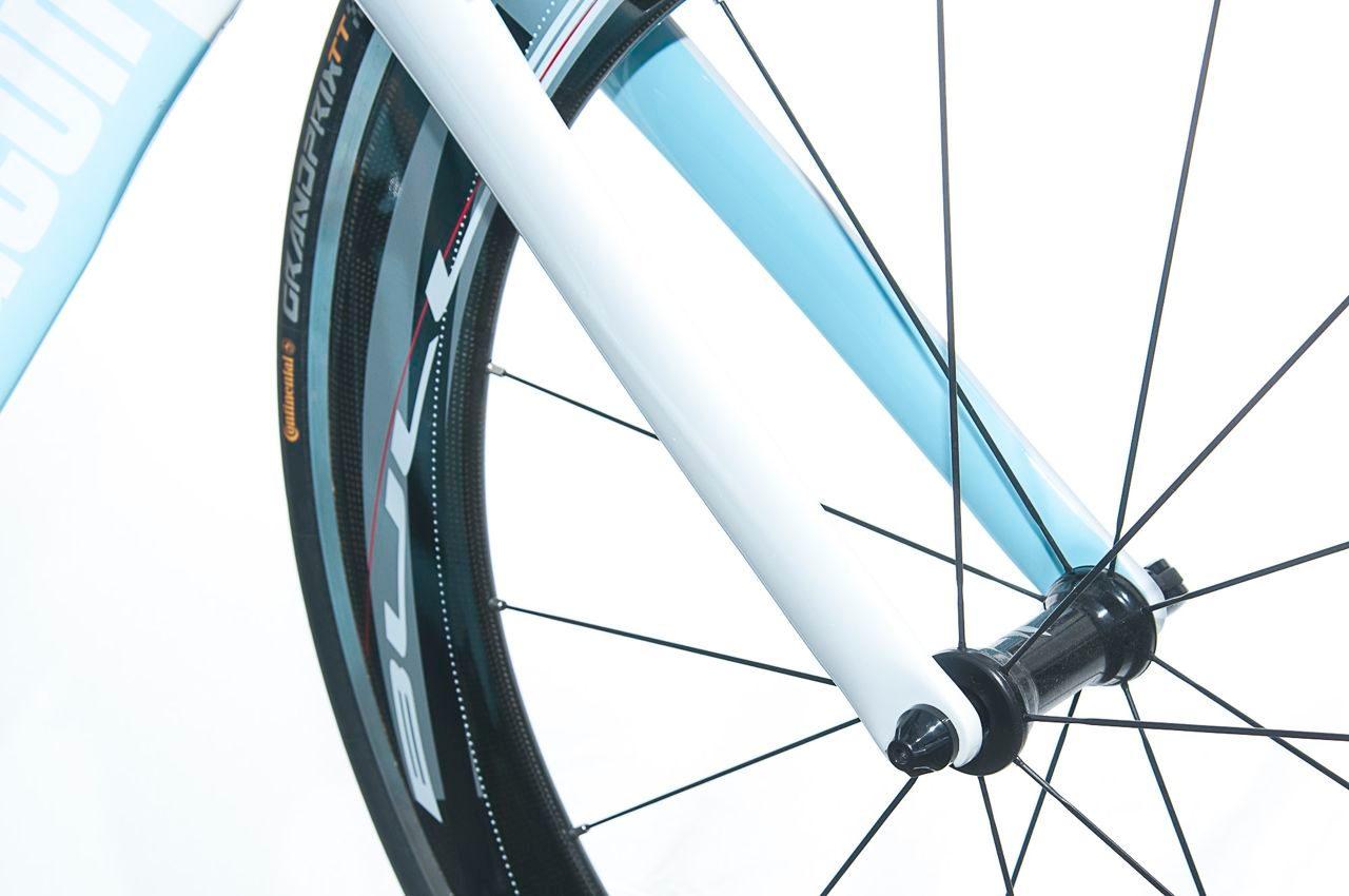 Wheels on Beacon B_55 tri bike