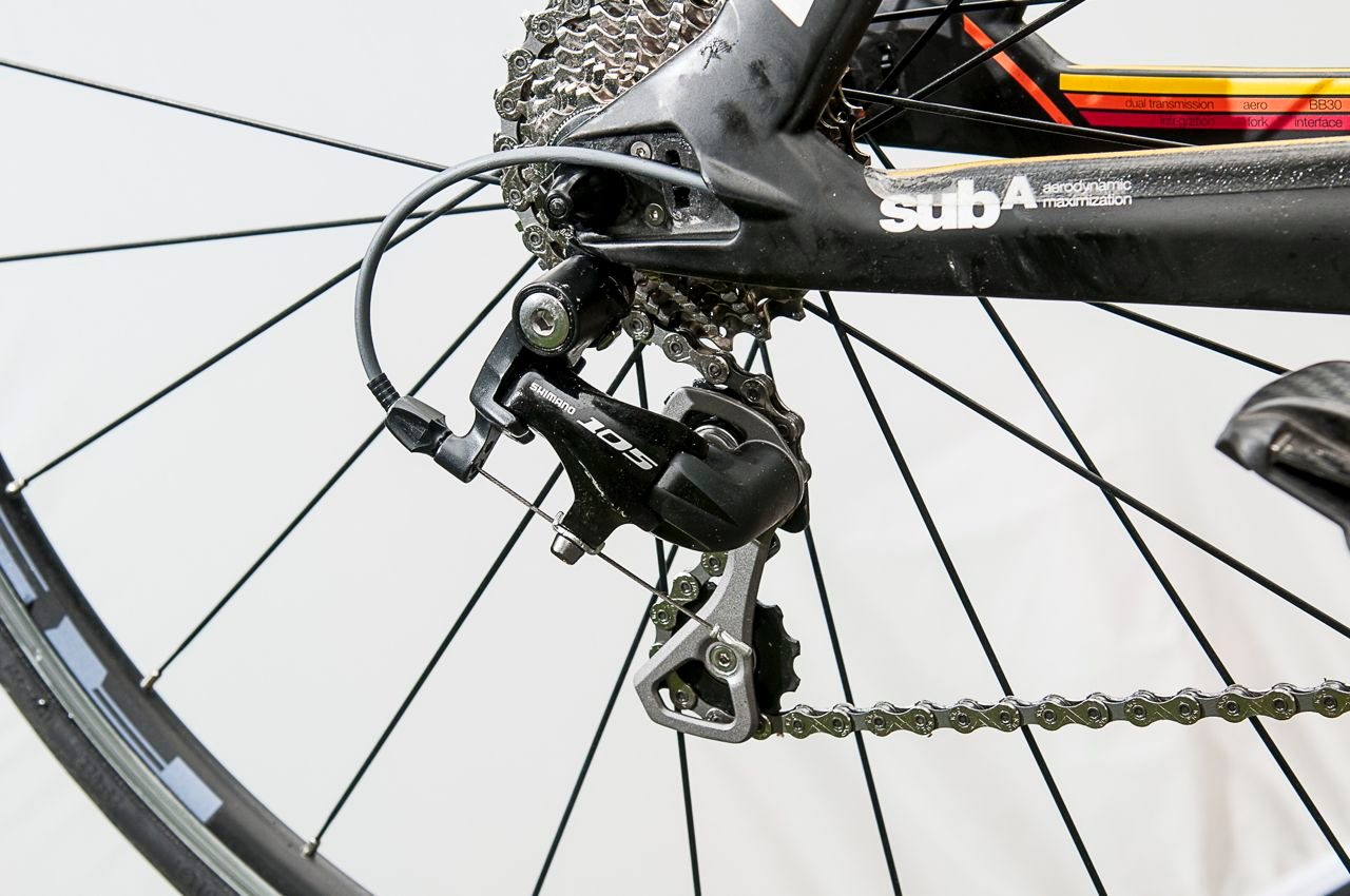 The drivetrain on BMC TimeMachine TM02 is mostly Shimano 105
