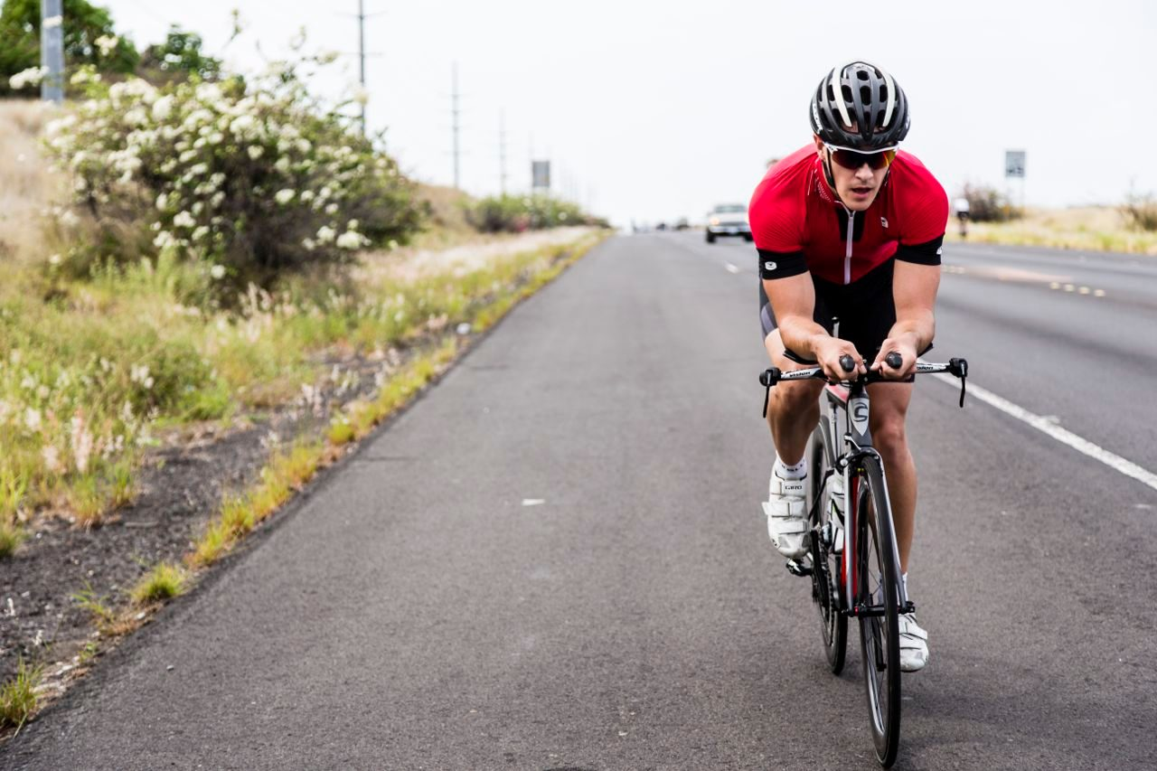 220 rides the new Cannondale Slice in Kona