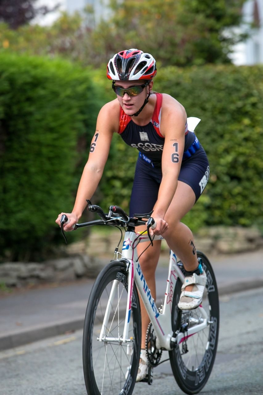 Lucy Scott racing at the South Manchester Triathlon 2014