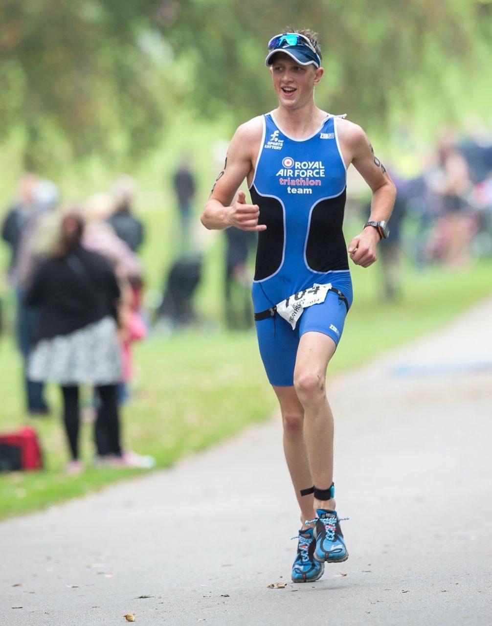 Luke Pollard wins standard distance race at Leeds Triathlon 2014