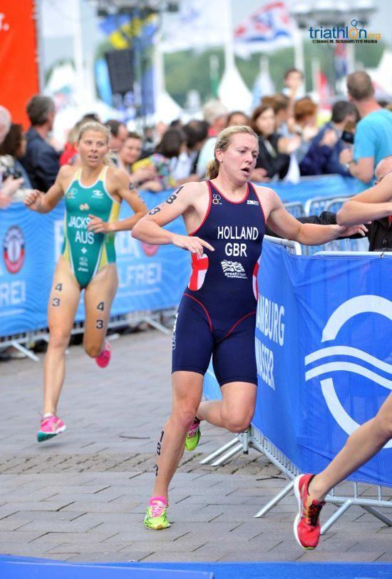Vicky Holland running at Mixed Relay World Championships 2014