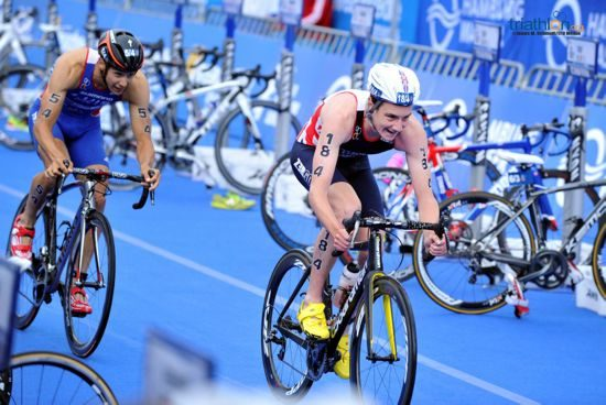 Alistair Brownlee on the bike at Mixed Relay World Championships 2014