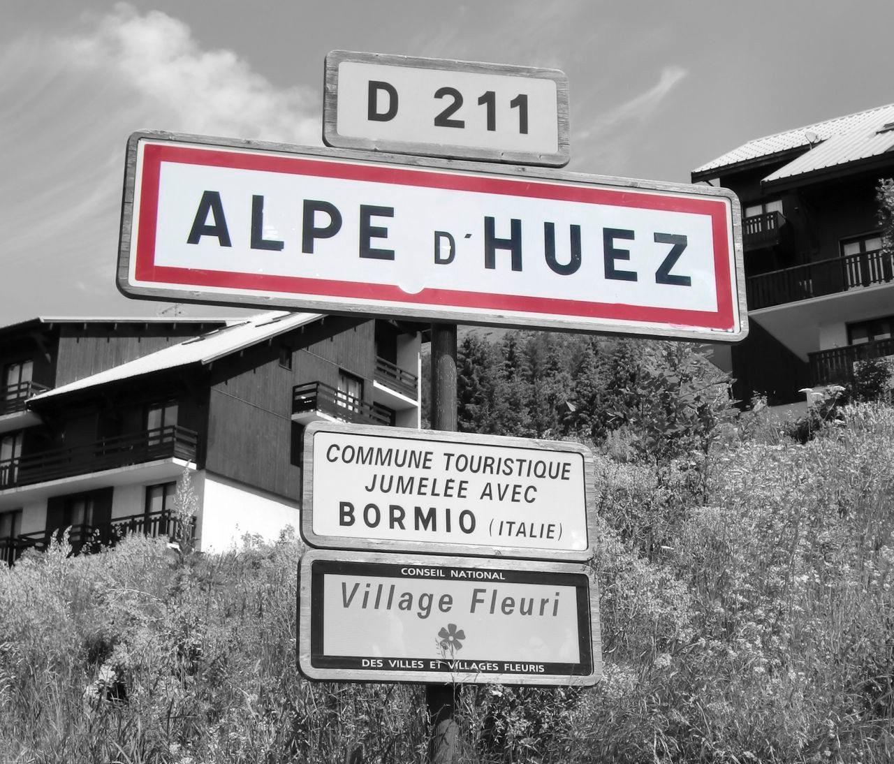Sign for Alpe d'Huez