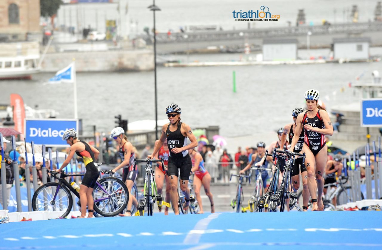 Sarah Groff leads out of T2 at WTS Stockholm 2014