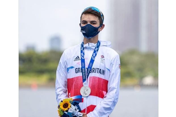 Tokyo 2020: The reaction on <b>social</b> media from the dramatic men's race thumbnail