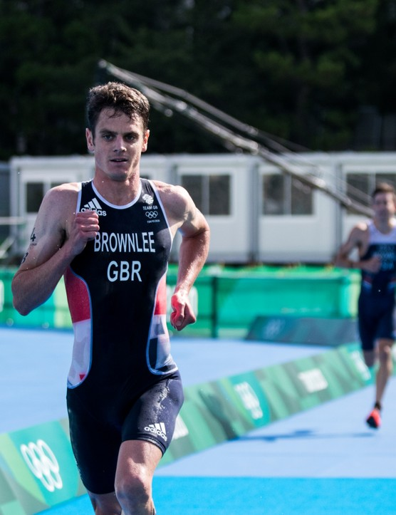 After a great swim and bike Jonny Brownlee stamps his authority on the run - showing the world what a top class athlete he is. By the time he hands over to Georgia Taylor-Brown he has created a substantial lead of over 20 seconds