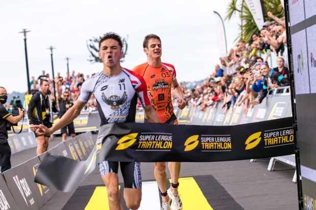 Alex Yee and Jess Learmonth win Super League Triathlon Jersey