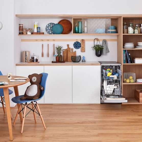 Indesit freestanding slimline PushGo dishwasher lifestyle