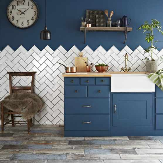 Antique 150x75 Bastille White Smooth Crackle Metro Tiles Lifestyle Image, Walls and Floors