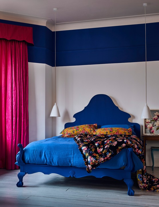 Use contrasting paint colours to add interest to your walls. Image credit: Annie Sloan