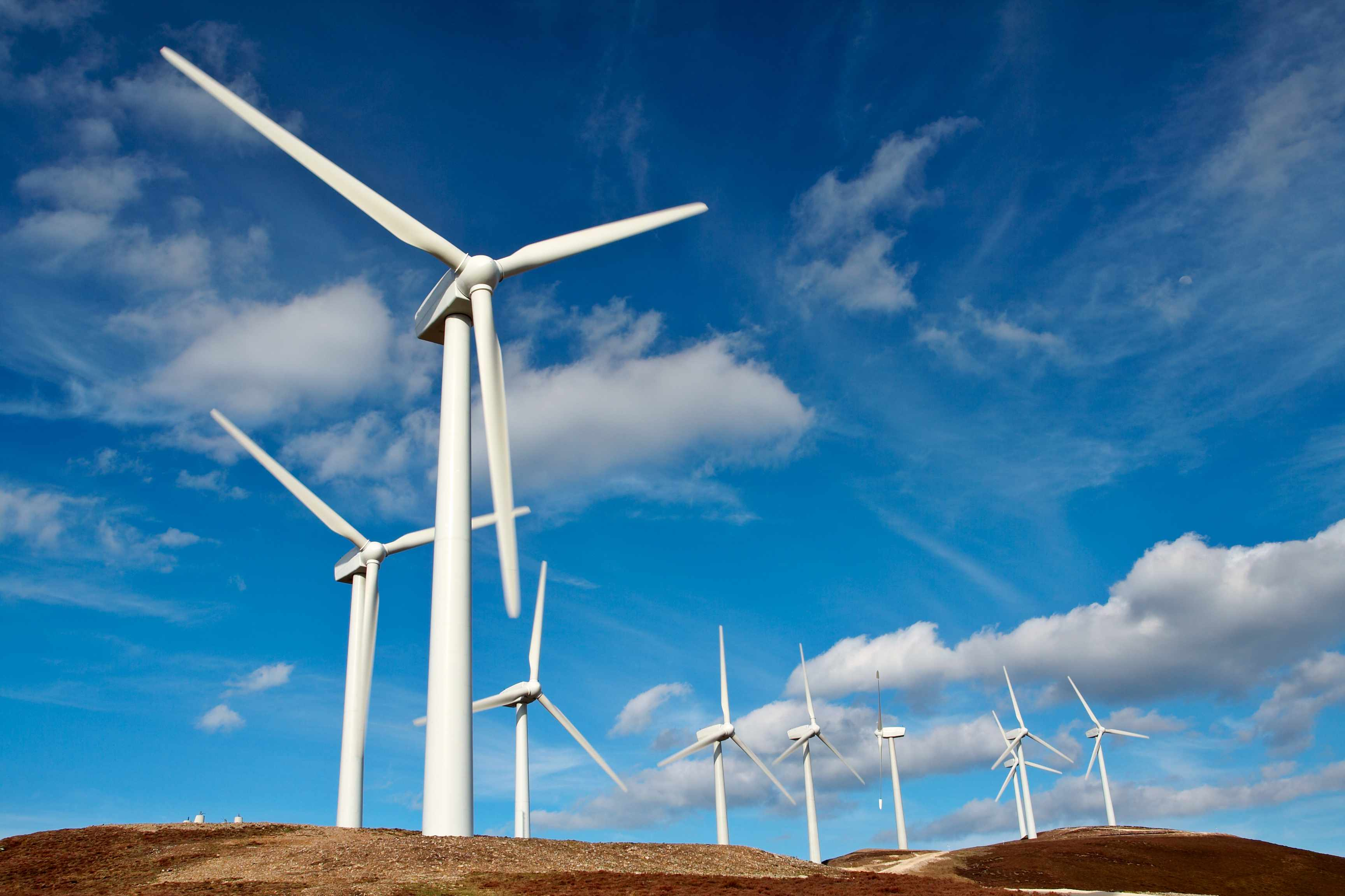 How many wind turbines would be needed to power the whole of the UK? © Getty Images