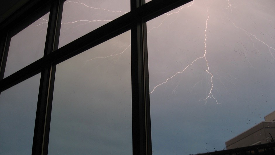 Can lightning smash glass? © Getty Images