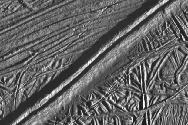 A 17km wide Galileo image of 'ball of string' terrain on Europa, where multiple generations of cracks in the ice shell have opened and closed © NASA/JPL/ASU