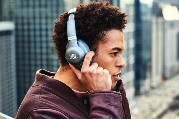 JBL Everest headphones