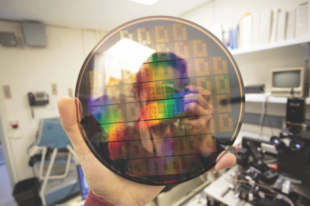 IBM Research's graphene-based chip © IBM