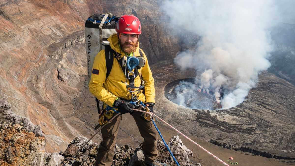 How to survive inside one of Earth's deadliest volcanoes © Aldo Kane/BBC