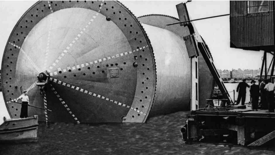 Does the PLUTO pipeline under the ocean still exist? © Getty Images