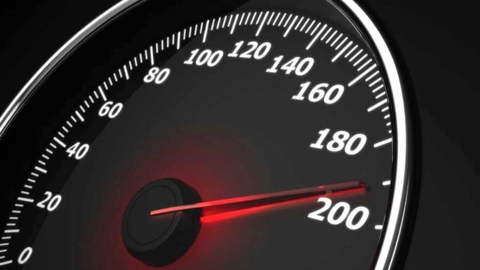 Why doesn't the speed shown on my car's speedometer and sat-nav always match? © Getty Images