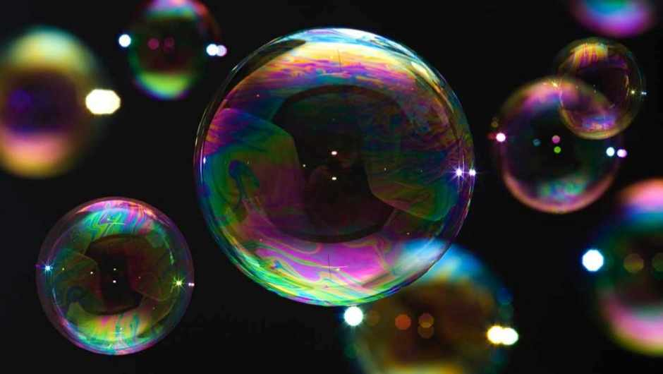 Why are soap bubbles rainbow coloured? © Getty Images