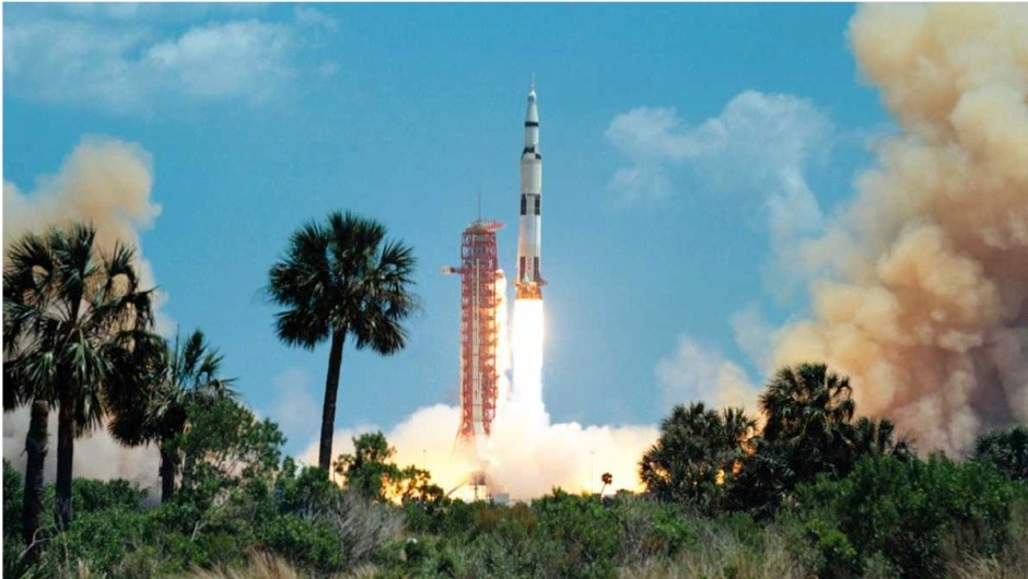 Why was the Saturn V rocket painted black and white? © Getty Images
