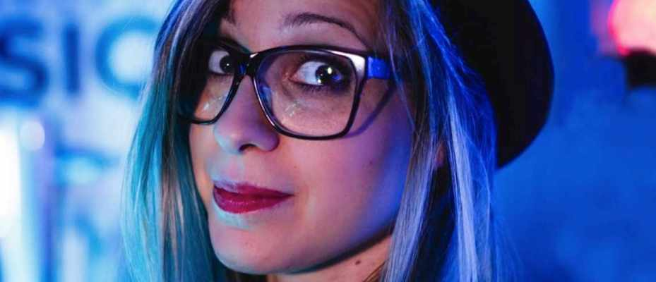 Why don't people have naturally blue or green hair?