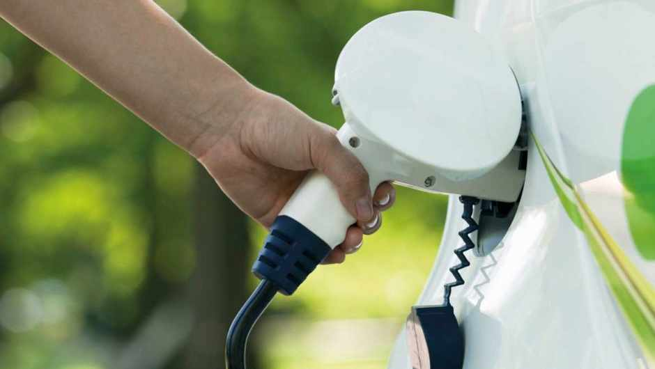 What is the CO2 per mile for electric cars charged from the mains? © Getty Images