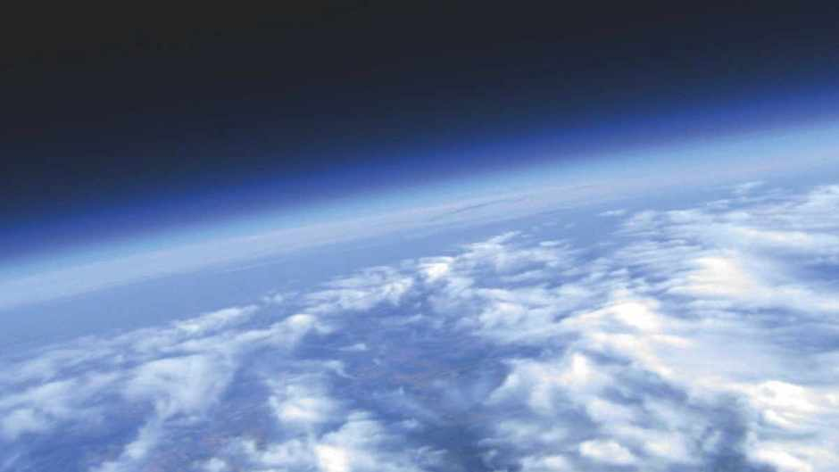How much does Earth's atmosphere weigh? © Getty Images