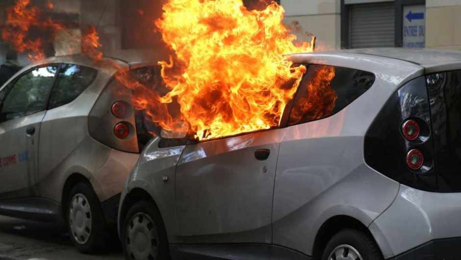 Do crashed electric vehicles pose a fire or electrocution risk? © Getty Images