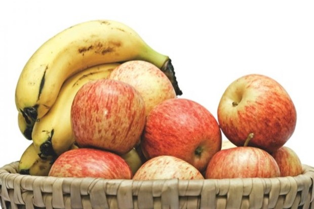 Why do bananas make fruit ripen faster? © iStock