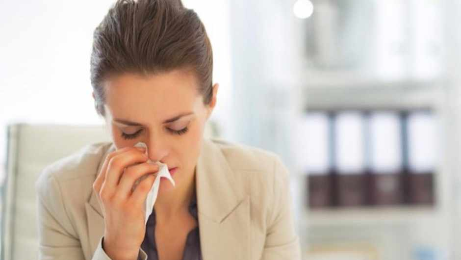 Do medications that fight a cold's symptoms prolong the cold? © iStock