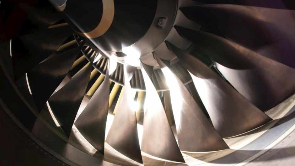 What's the difference between a scramjet and a ramjet engine