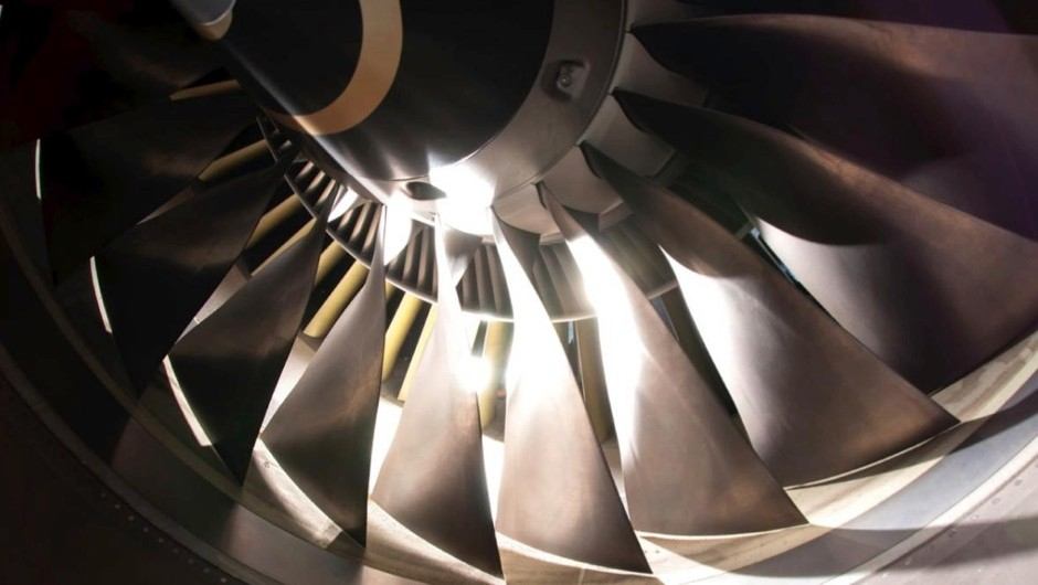 What's the difference between a scramjet and a ramjet engine? © iStock