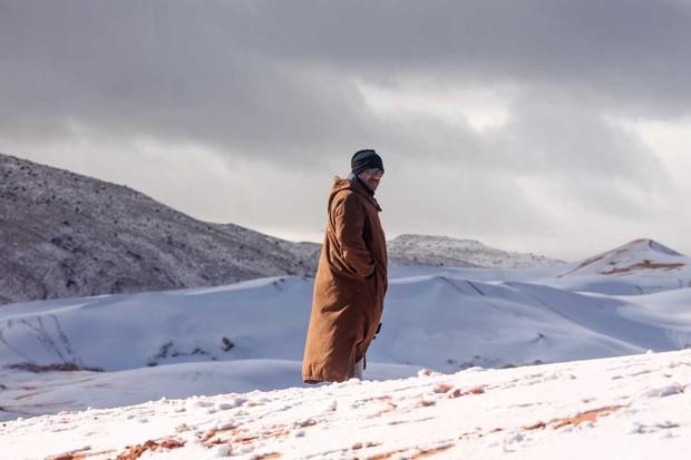 Snow in the Sahara Desert, Algeria © Karim Bouchetata/Shutterstock
