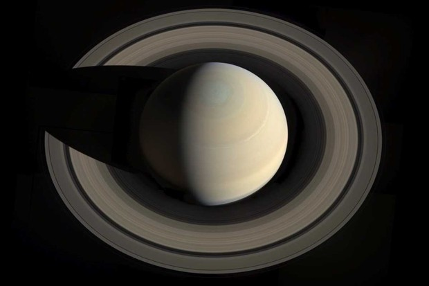 Rings around Saturn © NASA